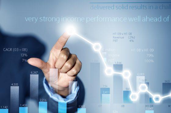 Financial Analytics spielt eine wesentliche Rolle im Banken- und Versicherungssektor.