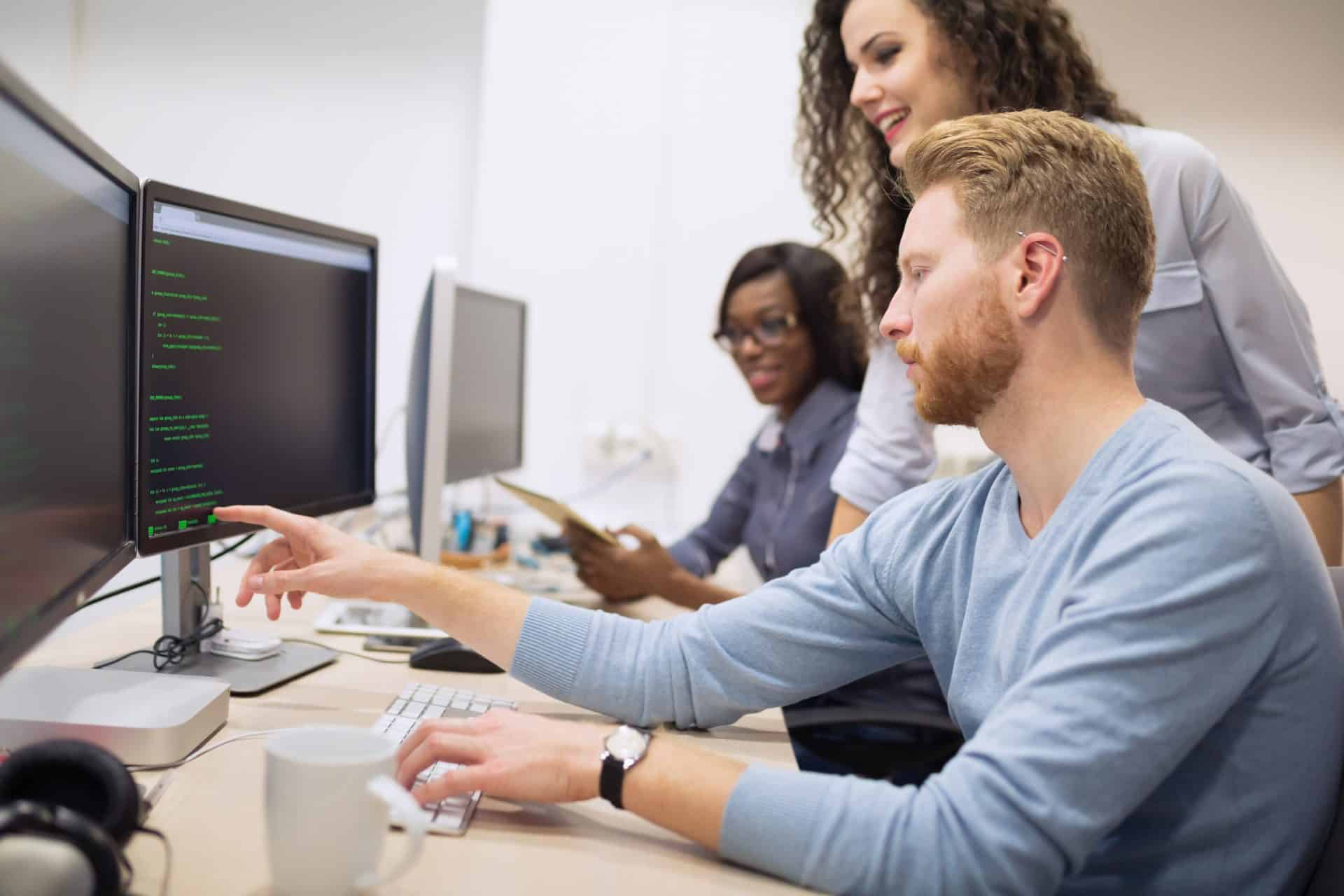 Data Science Trainee wird zum Trainee ausgebildet